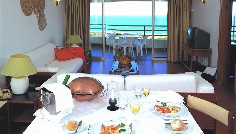 Apartamentos e moradias para alugar, T1 in Hotel Dom Pedro Portobelo 4 ****, in Vilamoura em Vilamoura, Portugal Algarve, REF_IMG_4276_4277