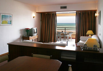 Apartamentos e moradias para alugar, T1 in Hotel Dom Pedro Portobelo 4 ****, in Vilamoura em Vilamoura, Portugal Algarve, REF_IMG_4276_4282