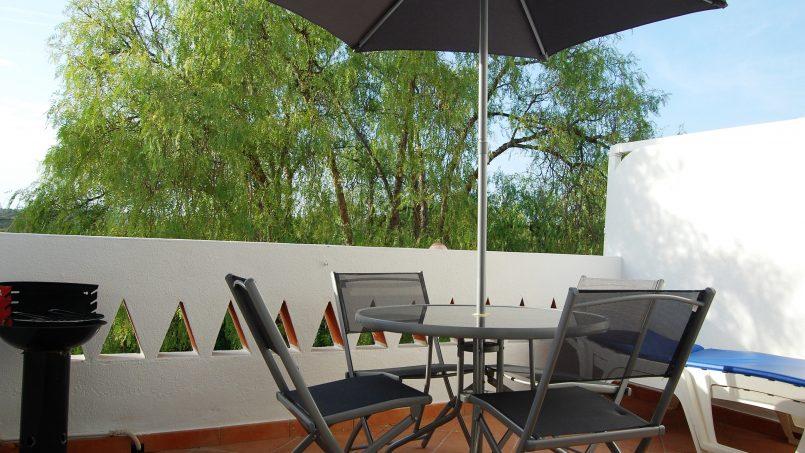 Holiday apartments and villas for rent, Cosy villa, nice see view, pools, beach just un front. Free WiFi. Quiet    Coquette villa, belle vue mer, piscine, plage juste en face. Wifi gratuit. Calme in Armação de Pêra, Portugal Algarve, REF_IMG_624_5575