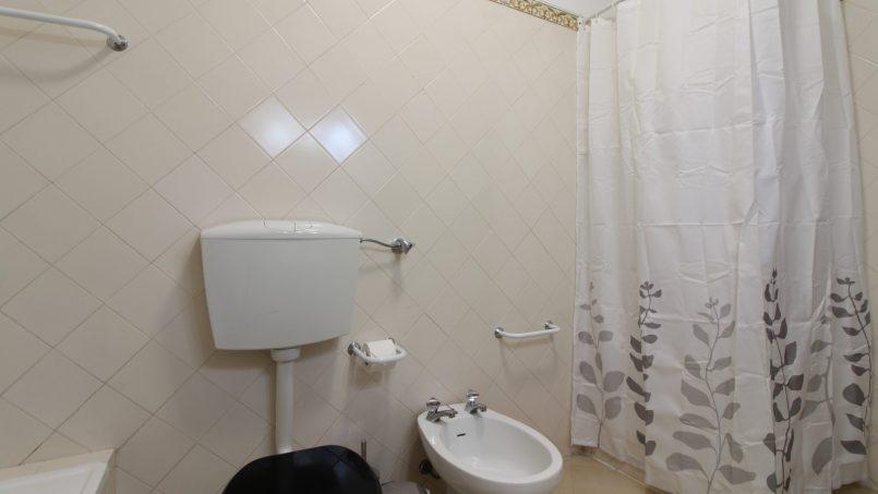 Apartamentos e moradias para alugar, Old Town Albufeira, 1F – 2 Bedroom with 2 bathrooms, 1 minute away from the beach em Albufeira, Portugal Algarve, REF_IMG_2988_5439