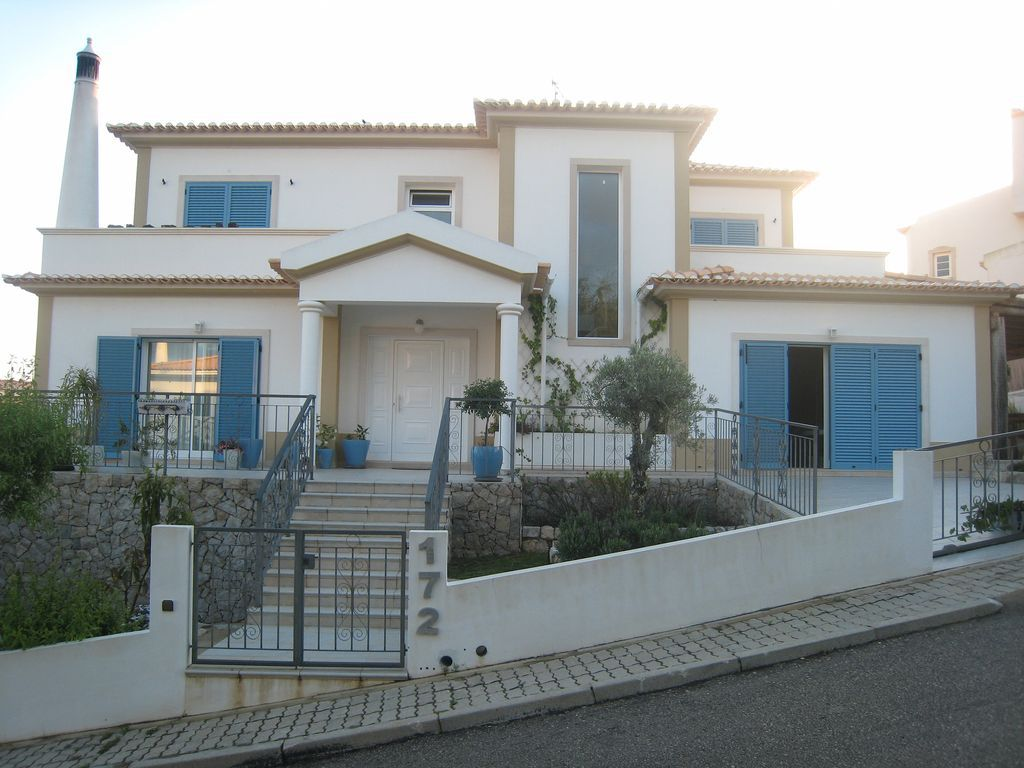 Holiday apartments and villas for rent, 4 Bedroom Villa with Private Pool in Praia Verde, Portugal Algarve, REF_IMG_5195_5210