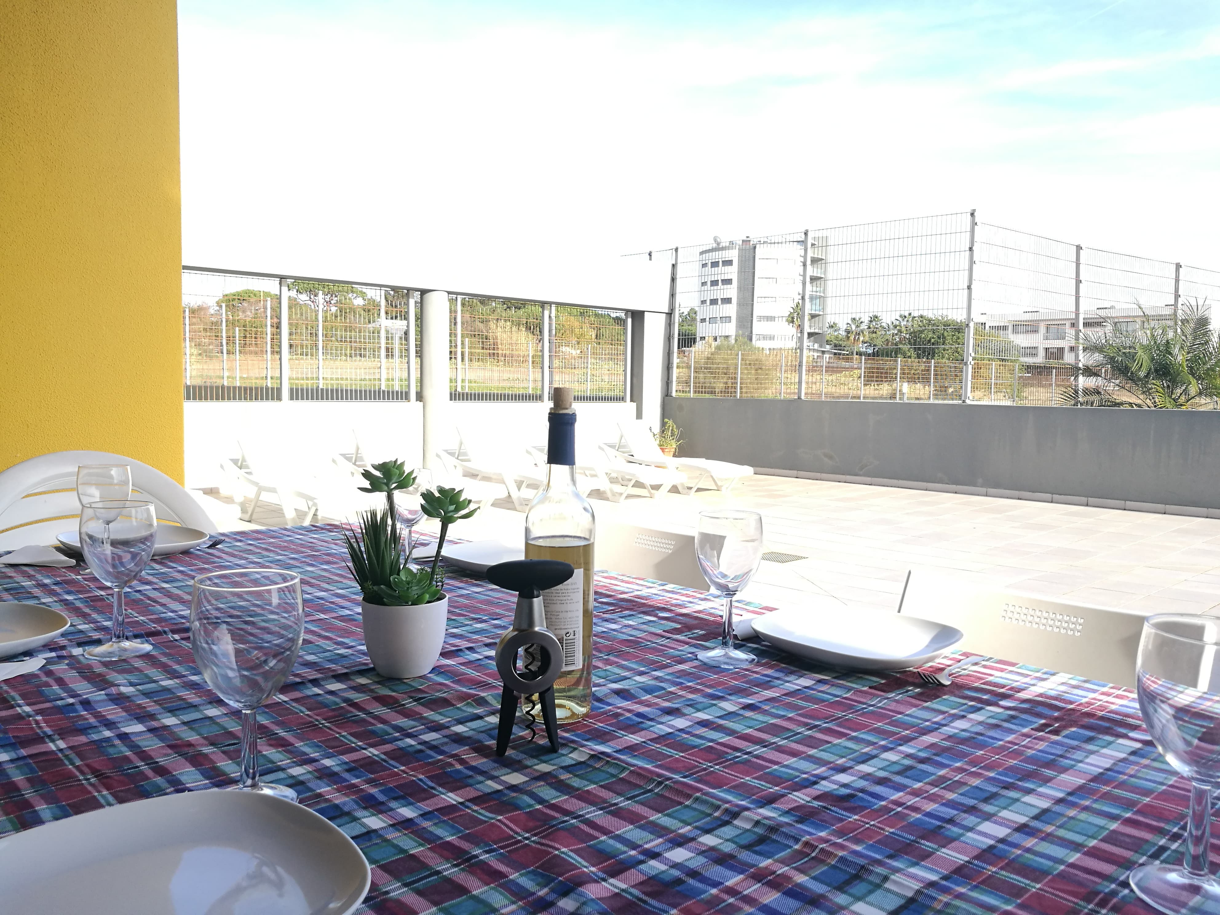 Holiday apartments and villas for rent, Sea view Apartment in Quarteira – NO BOOKING FEES in Quarteira, Portugal Algarve, REF_IMG_6014_6054