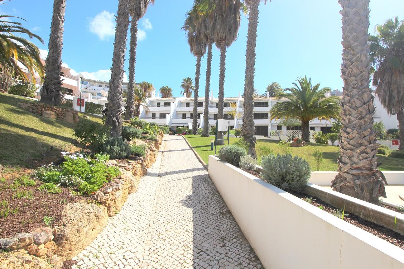 Apartamentos e moradias para alugar, Appart 2 chambres – piscine et tennis – Albufeira em Albufeira, Portugal Algarve, REF_IMG_7166_8644