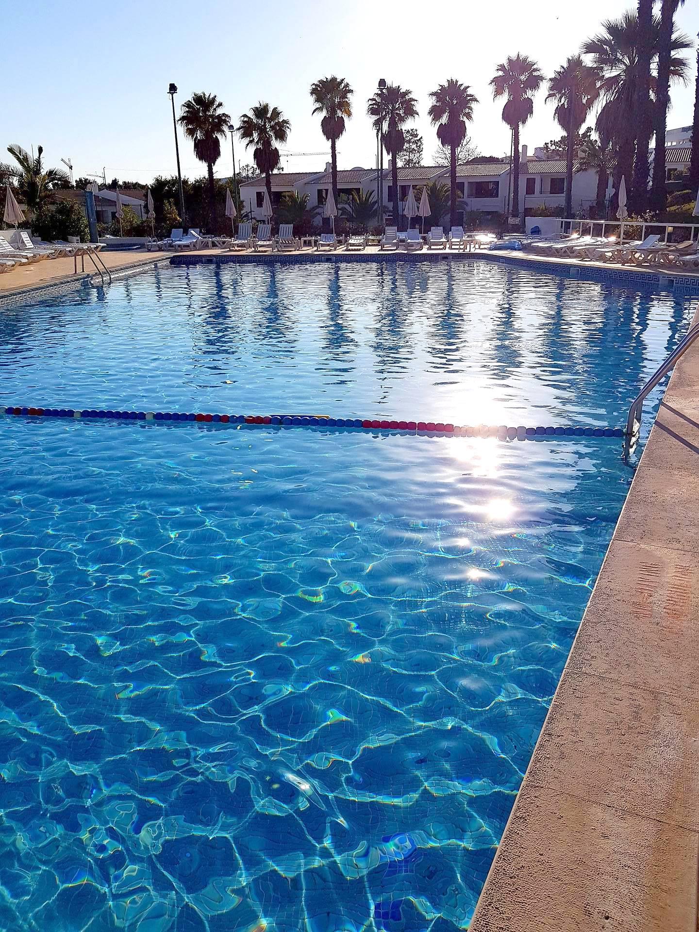 Apartamentos e moradias para alugar, Appart 2 chambres – piscine et tennis – Albufeira em Albufeira, Portugal Algarve, REF_IMG_7166_8635