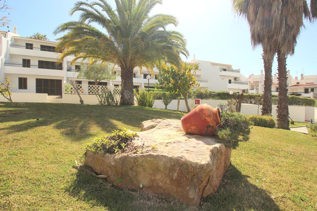 Apartamentos e moradias para alugar, Appart 2 chambres – piscine et tennis – Albufeira em Albufeira, Portugal Algarve, REF_IMG_7166_8645