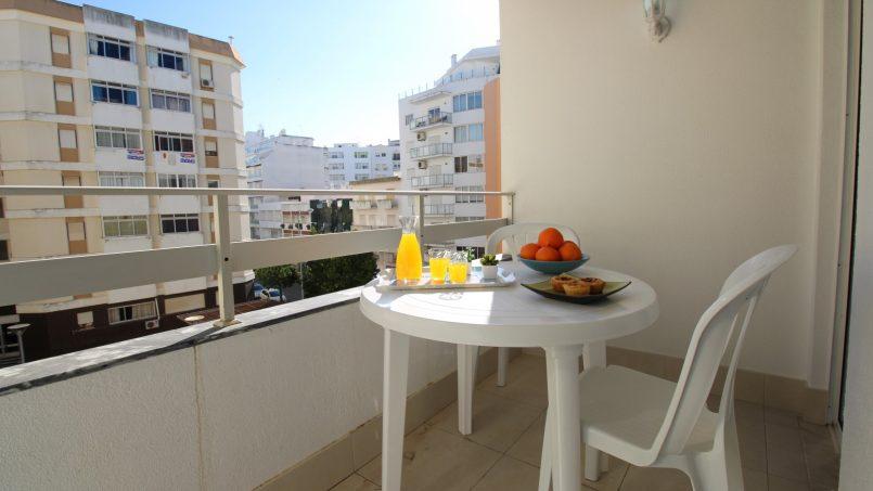 Apartamentos e moradias para alugar, APPT LES PIEDS DANS L'EAU – ALGARVE em Armação de Pêra, Portugal Algarve, REF_IMG_7108_8652