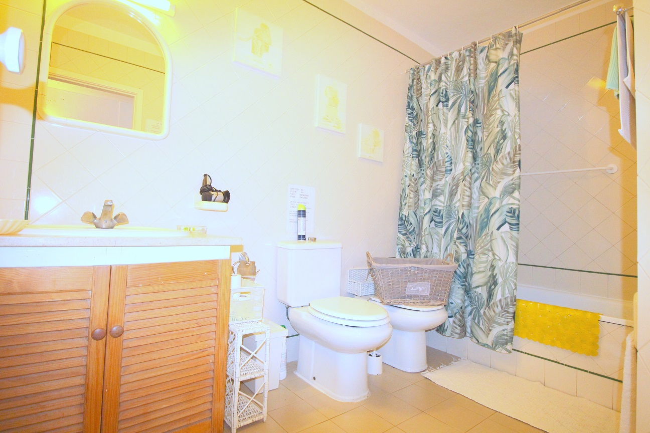 Apartamentos e moradias para alugar, Appart 2 chambres – piscine et tennis – Albufeira em Albufeira, Portugal Algarve, REF_IMG_7166_8642