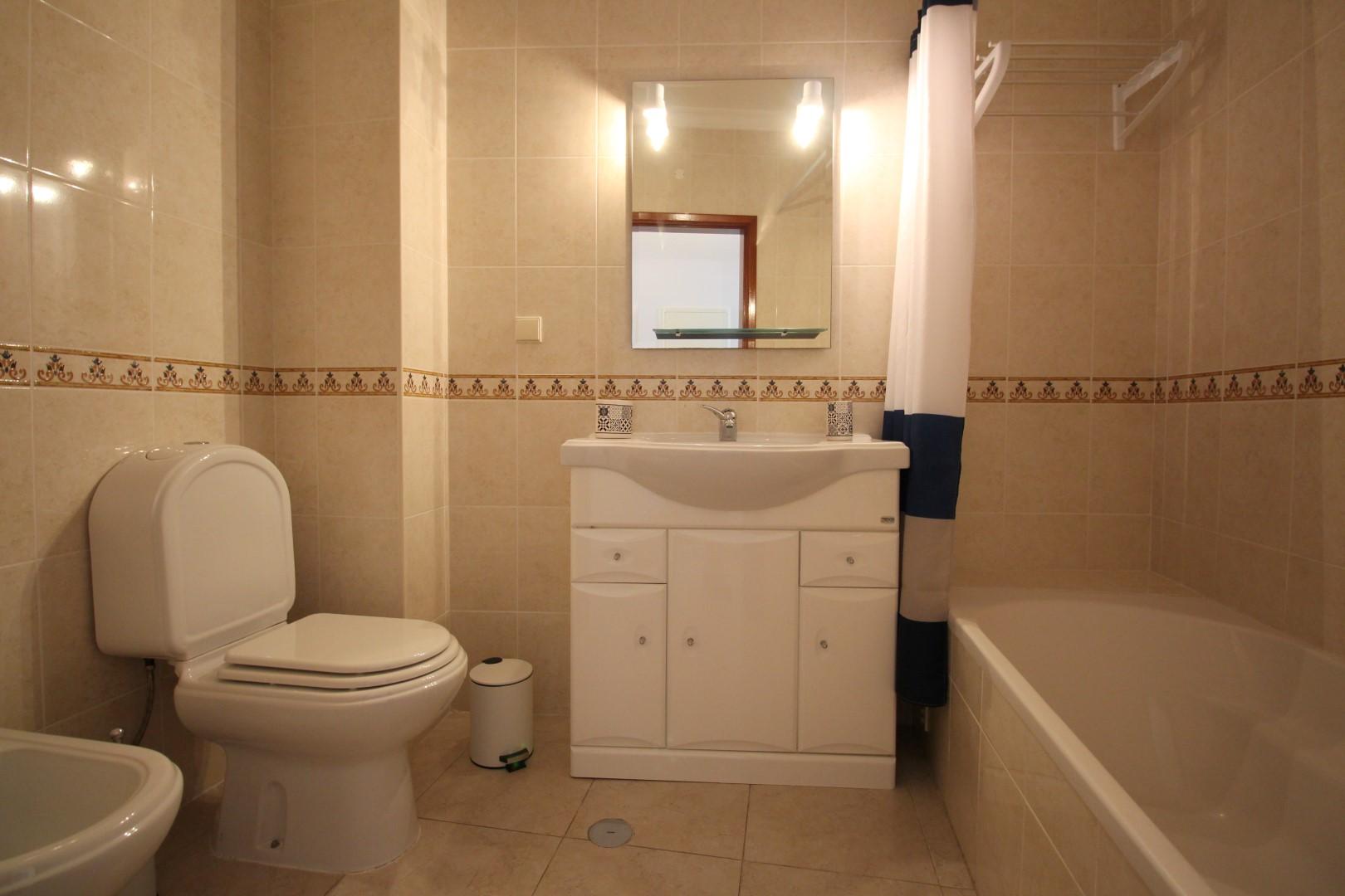 Apartamentos e moradias para alugar, Appartement 350m de la plage – Armação-de-Pêra em Armação de Pêra, Portugal Algarve, REF_IMG_6867_8698