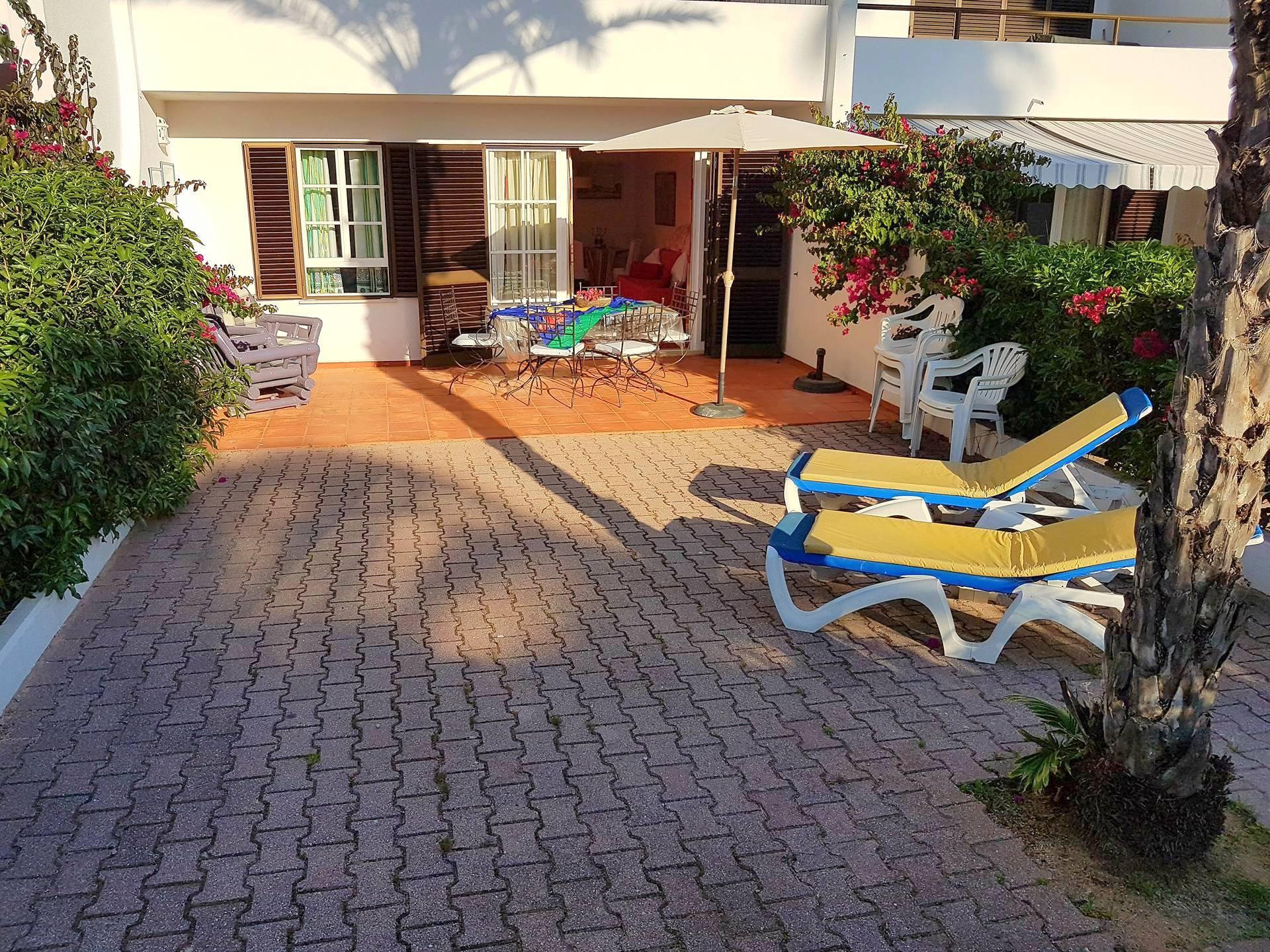 Apartamentos e moradias para alugar, Appart 2 chambres – piscine et tennis – Albufeira em Albufeira, Portugal Algarve, REF_IMG_7166_8633
