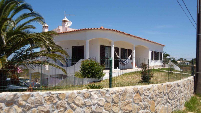 Holiday apartments and villas for rent, Cosy Villa near the best beaches on the Algarve West Coast in Urbanização Vale da Telha Aljezur, Portugal Algarve, REF_IMG_8514_8515
