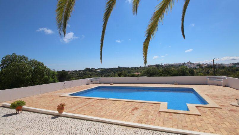 Holiday apartments and villas for rent, VILLA AVEC PISCINE A 4KM DE LA PLAGE – PORCHES in Porches, Portugal Algarve, REF_IMG_7090_8660