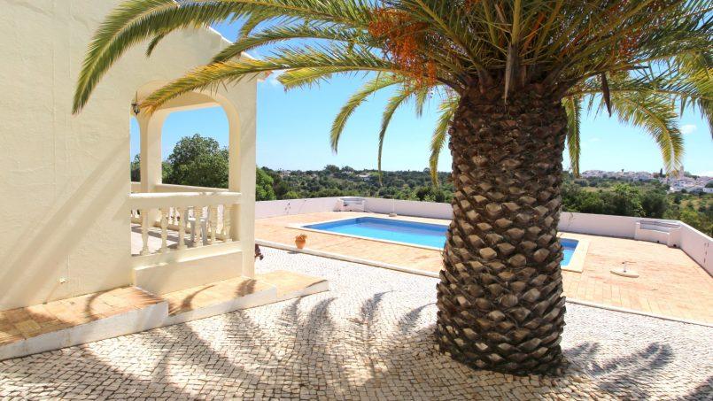 Holiday apartments and villas for rent, VILLA AVEC PISCINE A 4KM DE LA PLAGE – PORCHES in Porches, Portugal Algarve, REF_IMG_7090_8661