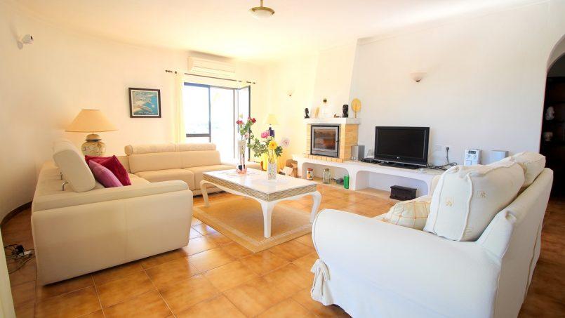 Holiday apartments and villas for rent, VILLA AVEC PISCINE A 4KM DE LA PLAGE – PORCHES in Porches, Portugal Algarve, REF_IMG_7090_8674