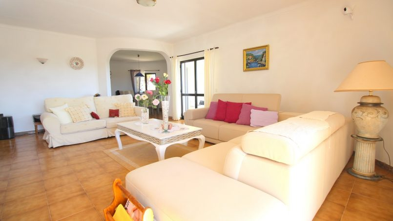 Holiday apartments and villas for rent, VILLA AVEC PISCINE A 4KM DE LA PLAGE – PORCHES in Porches, Portugal Algarve, REF_IMG_7090_8675