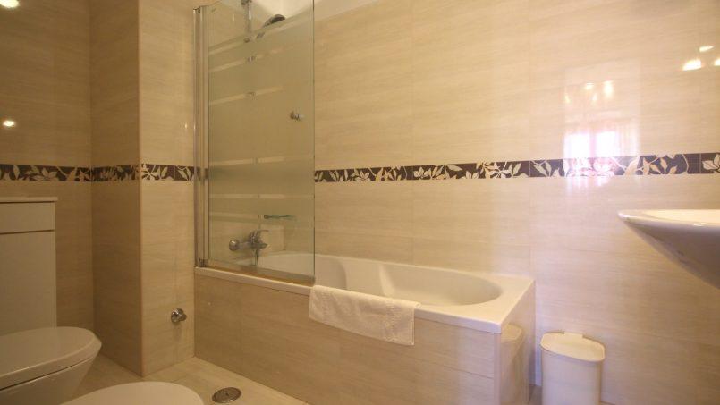Holiday apartments and villas for rent, VILLA AVEC PISCINE A 4KM DE LA PLAGE – PORCHES in Porches, Portugal Algarve, REF_IMG_7090_8667