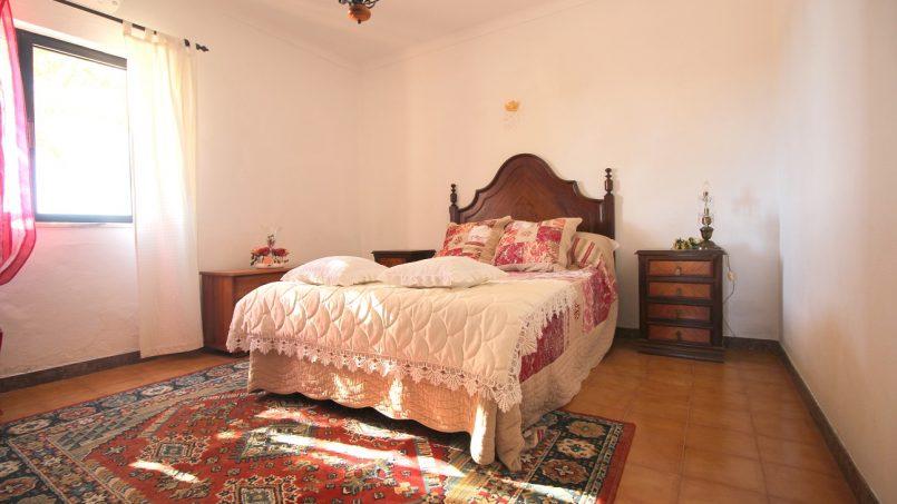 Holiday apartments and villas for rent, VILLA AVEC PISCINE A 4KM DE LA PLAGE – PORCHES in Porches, Portugal Algarve, REF_IMG_7090_8678
