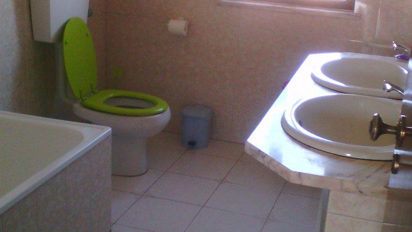 Holiday apartments and villas for rent, Cosy Villa near the best beaches on the Algarve West Coast in Urbanização Vale da Telha Aljezur, Portugal Algarve, REF_IMG_8514_8531