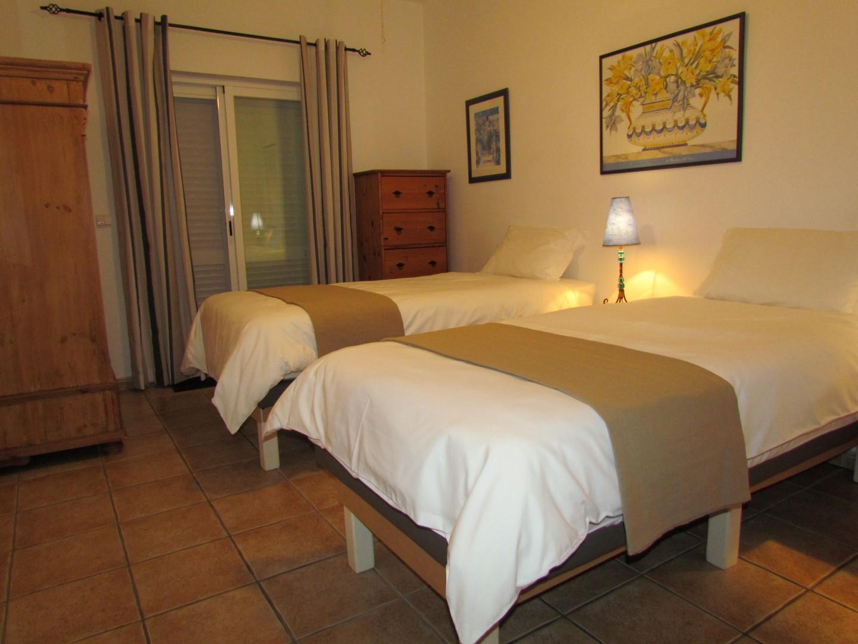 Apartamentos e moradias para alugar, Vivenda Summertime – Fabulous villa with private tennis court and large pool em Carvoeiro, Portugal Algarve, REF_IMG_8766_8790