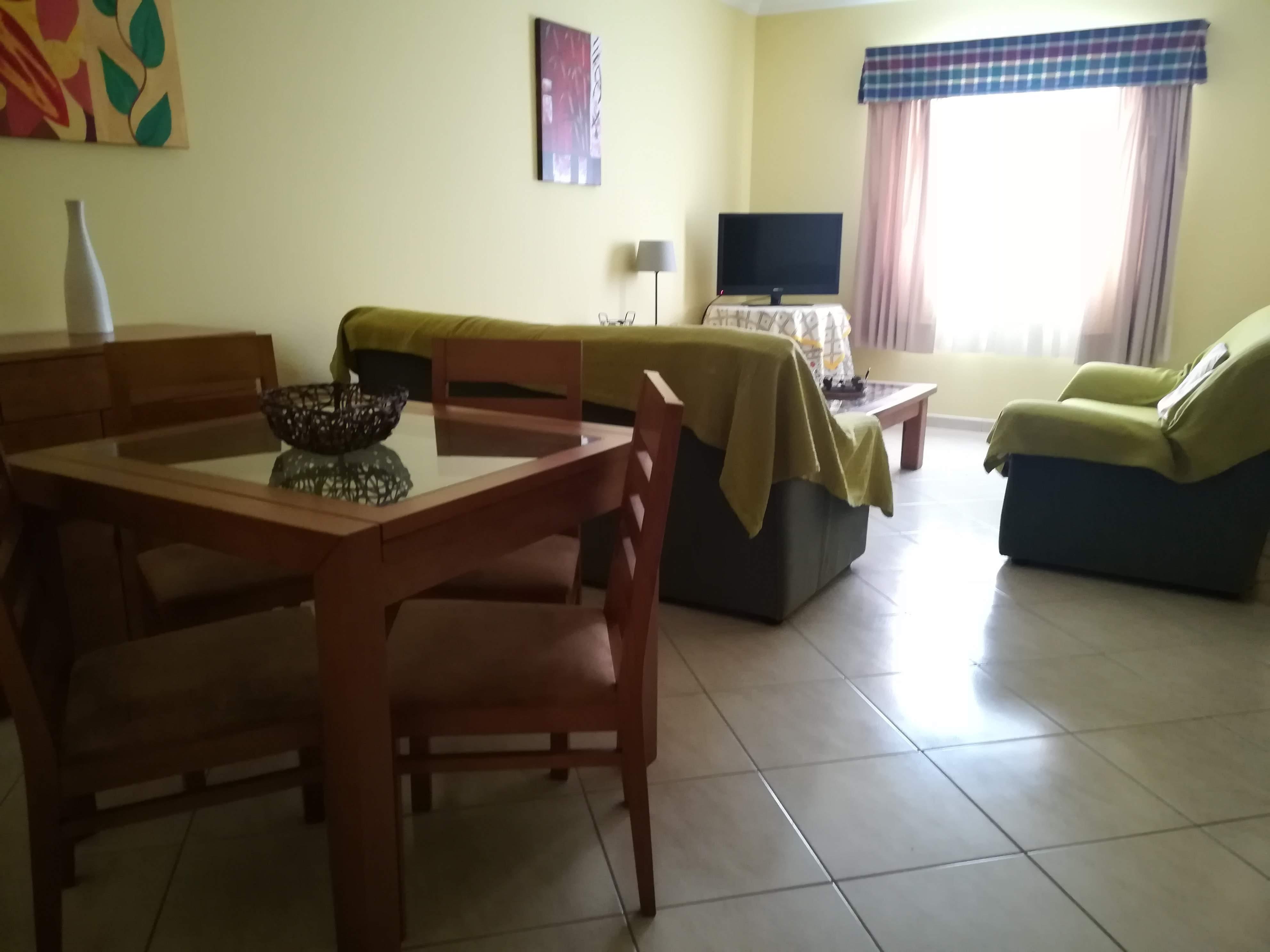 Location appartements et villas de vacance, Apartamento com terraço, perto da praia à Armação de Pêra, Portugal Algarve, REF_IMG_9160_9165