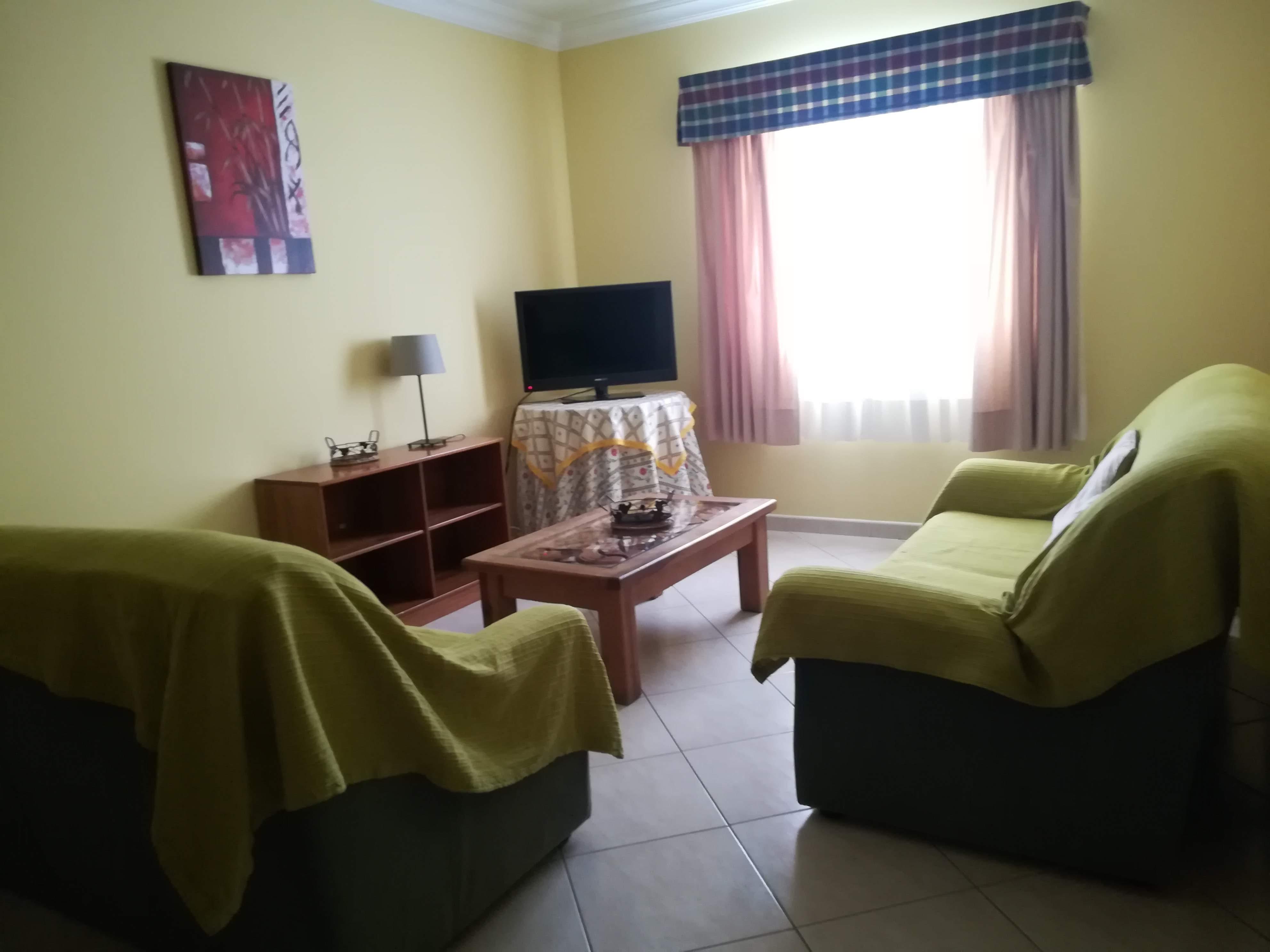 Location appartements et villas de vacance, Apartamento com terraço, perto da praia à Armação de Pêra, Portugal Algarve, REF_IMG_9160_9164