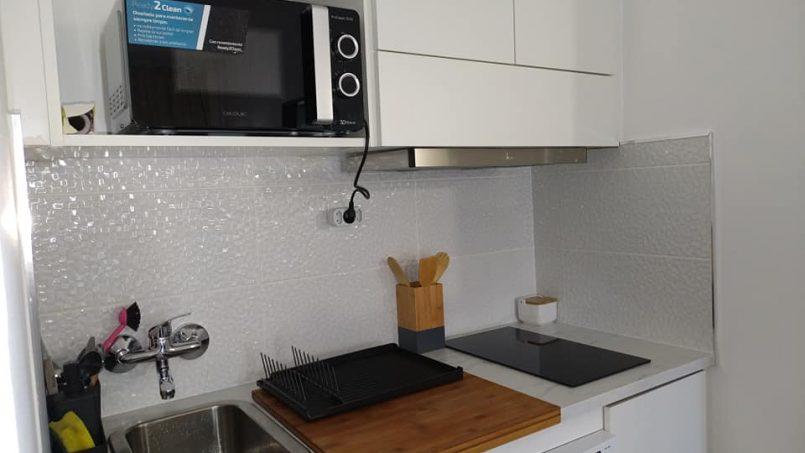 Apartamentos e moradias para alugar, Excelente apartamento T2 a 100 metros da praia totalmente remodelado em Armação de Pêra, Portugal Algarve, REF_IMG_10481_10546
