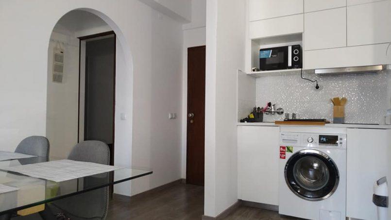 Apartamentos e moradias para alugar, Excelente apartamento T2 a 100 metros da praia totalmente remodelado em Armação de Pêra, Portugal Algarve, REF_IMG_10481_10547