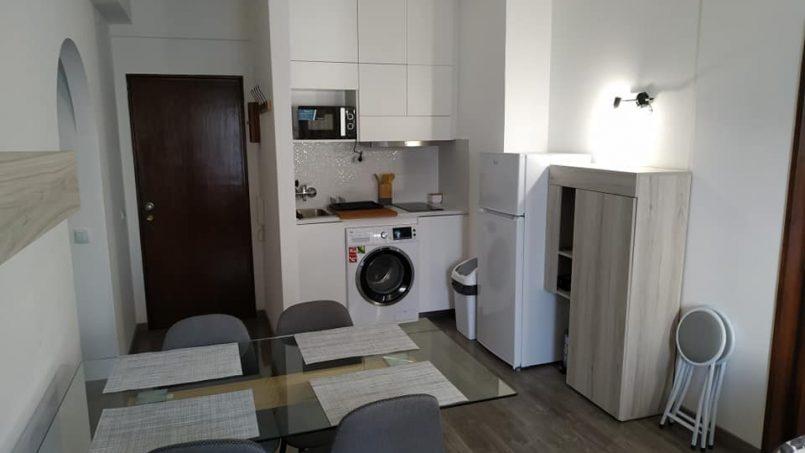 Apartamentos e moradias para alugar, Excelente apartamento T2 a 100 metros da praia totalmente remodelado em Armação de Pêra, Portugal Algarve, REF_IMG_10481_10554