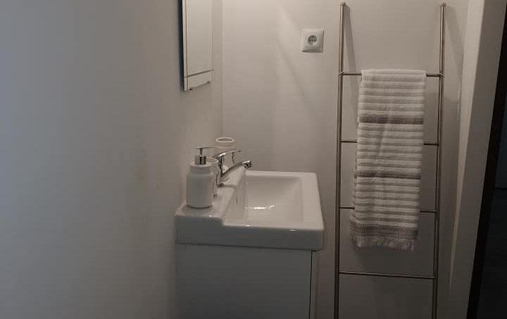 Apartamentos e moradias para alugar, Excelente apartamento T2 a 100 metros da praia totalmente remodelado em Armação de Pêra, Portugal Algarve, REF_IMG_10481_10556
