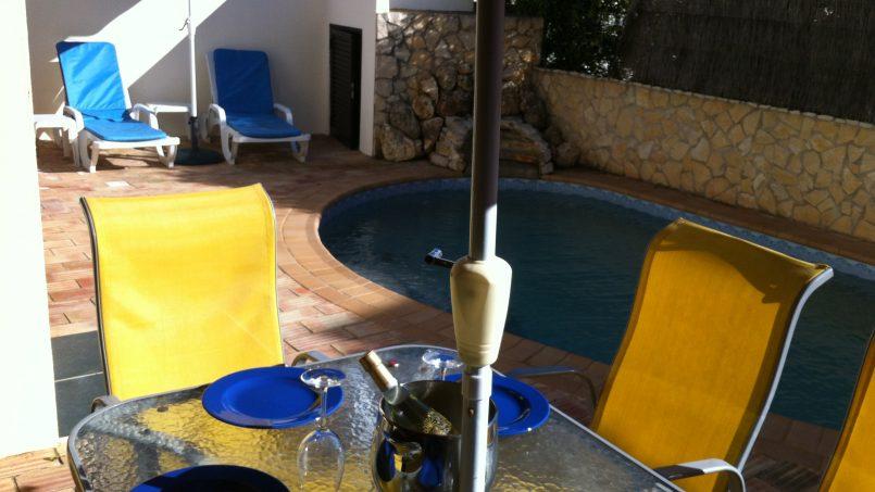 Apartamentos e moradias para alugar, Sunny 4 bedroom villa with pool em Carvoeiro, Portugal Algarve, REF_IMG_9381_9834