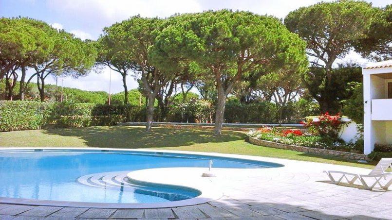 Location appartements et villas de vacance, Algarve Vilamoura Villa avec court tennis à Quarteira, Portugal Algarve, REF_IMG_10395_10458