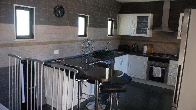 Apartamentos e moradias para alugar, Sunny 4 bedroom villa with pool em Carvoeiro, Portugal Algarve, REF_IMG_9381_9843