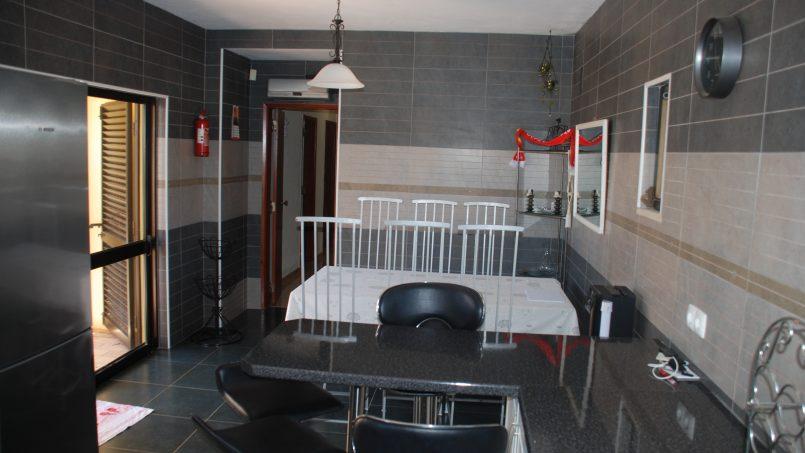 Apartamentos e moradias para alugar, Sunny 4 bedroom villa with pool em Carvoeiro, Portugal Algarve, REF_IMG_9381_9844