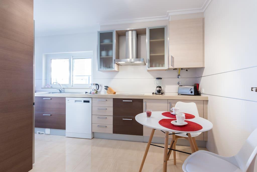Apartamentos e moradias para alugar, MEIA PRAIA SEAVIEW BEACHFRONT LUX APT em Lagos, Portugal Algarve, REF_IMG_11238_11243