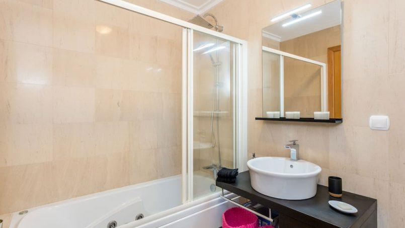Apartamentos e moradias para alugar, MEIA PRAIA SEAVIEW BEACHFRONT LUX APT em Lagos, Portugal Algarve, REF_IMG_11238_11245