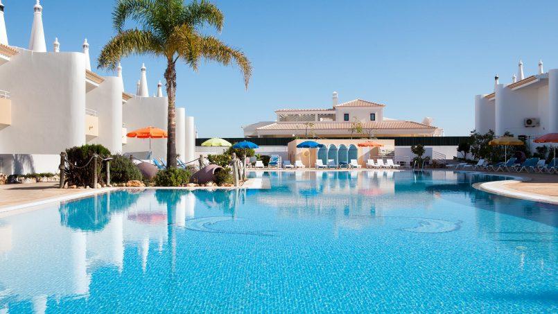 Location appartements et villas de vacance, Apartamento T2 em Condomínio Com Piscina na Praia da Galé em Albufeira à Albufeira, Portugal Algarve, REF_IMG_6121_12074