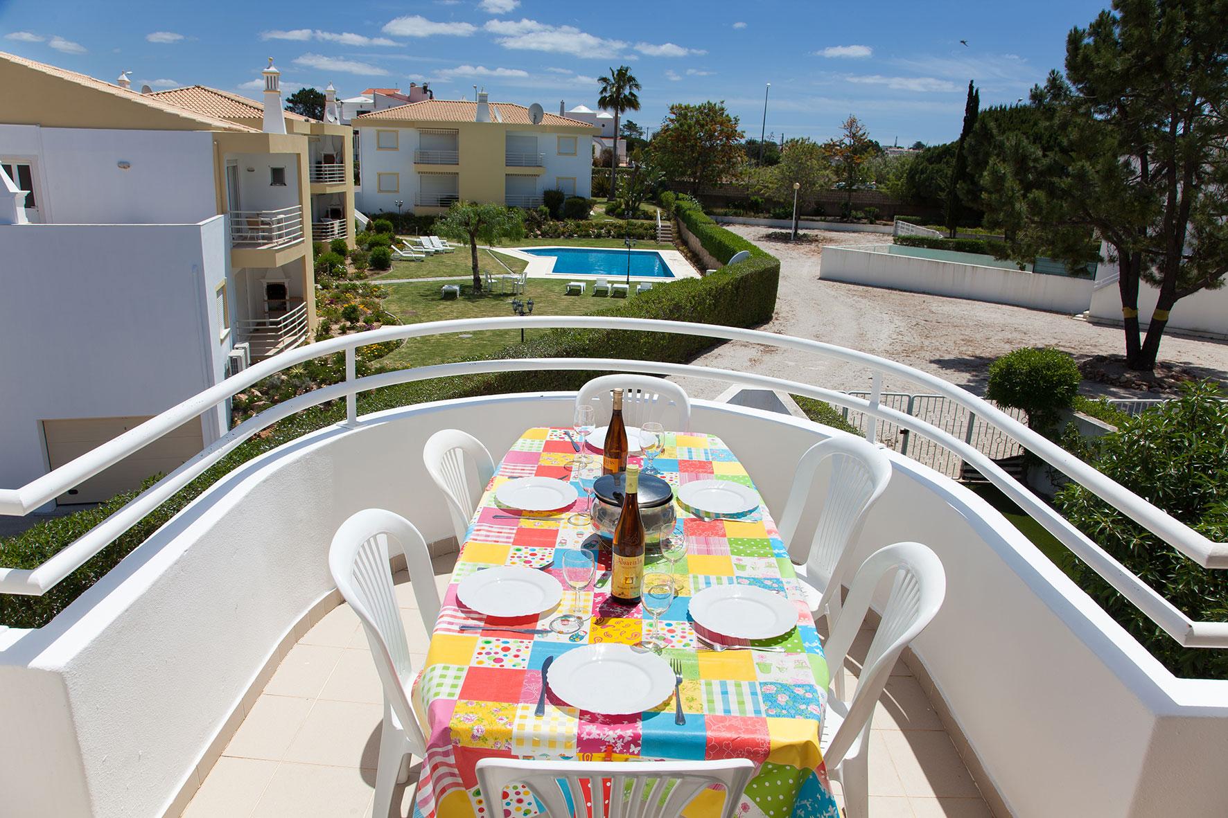 Holiday apartments and villas for rent, Apartamento T2 em Condomínio Com Piscina na Praia da Galé em Albufeira in Albufeira, Portugal Algarve, REF_IMG_6121_12075