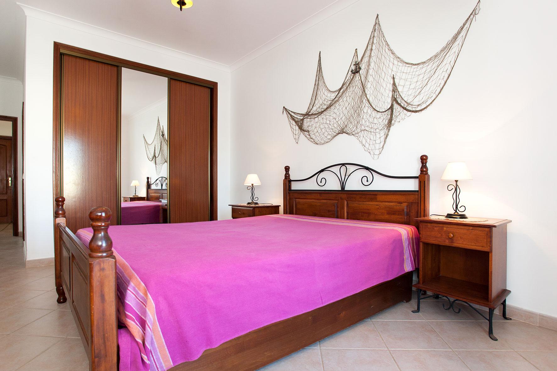 Holiday apartments and villas for rent, Apartamento T2 em Condomínio Com Piscina na Praia da Galé em Albufeira in Albufeira, Portugal Algarve, REF_IMG_6121_12078