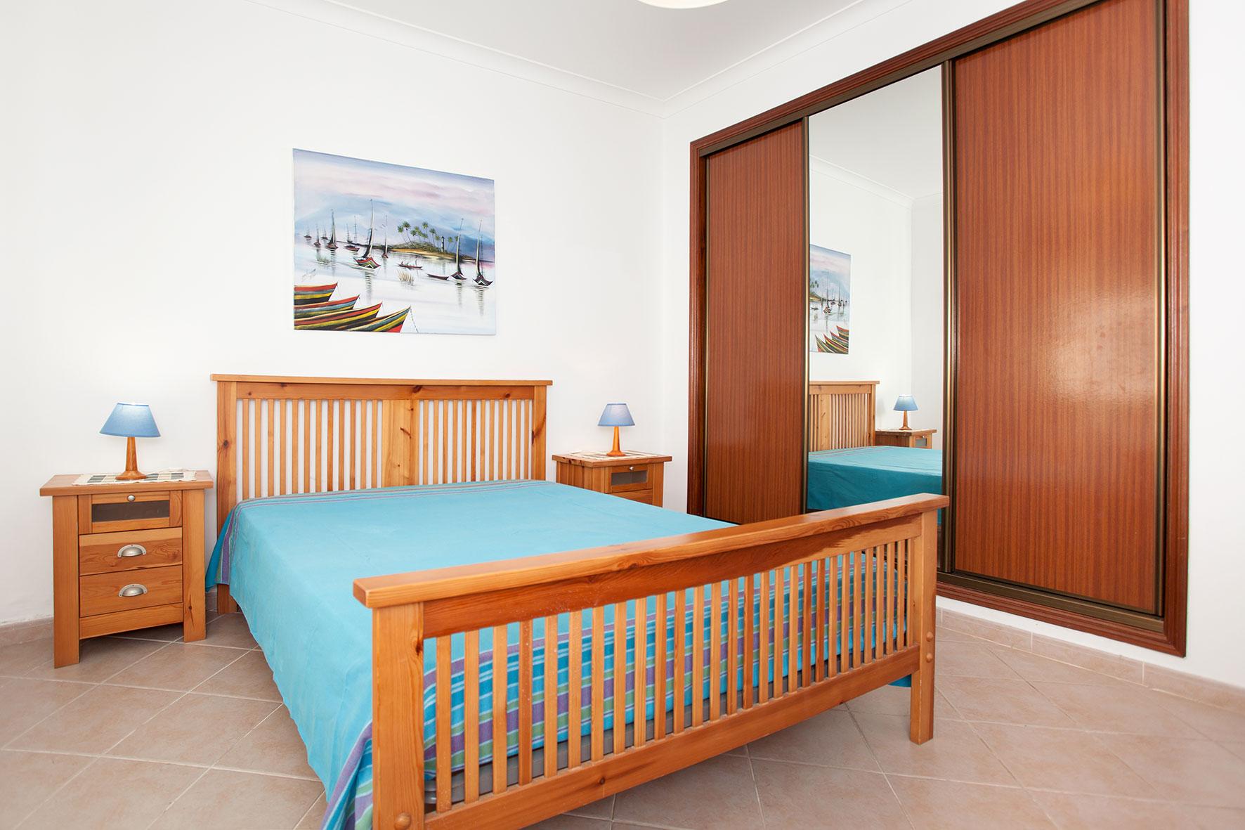 Holiday apartments and villas for rent, Apartamento T2 em Condomínio Com Piscina na Praia da Galé em Albufeira in Albufeira, Portugal Algarve, REF_IMG_6121_12082