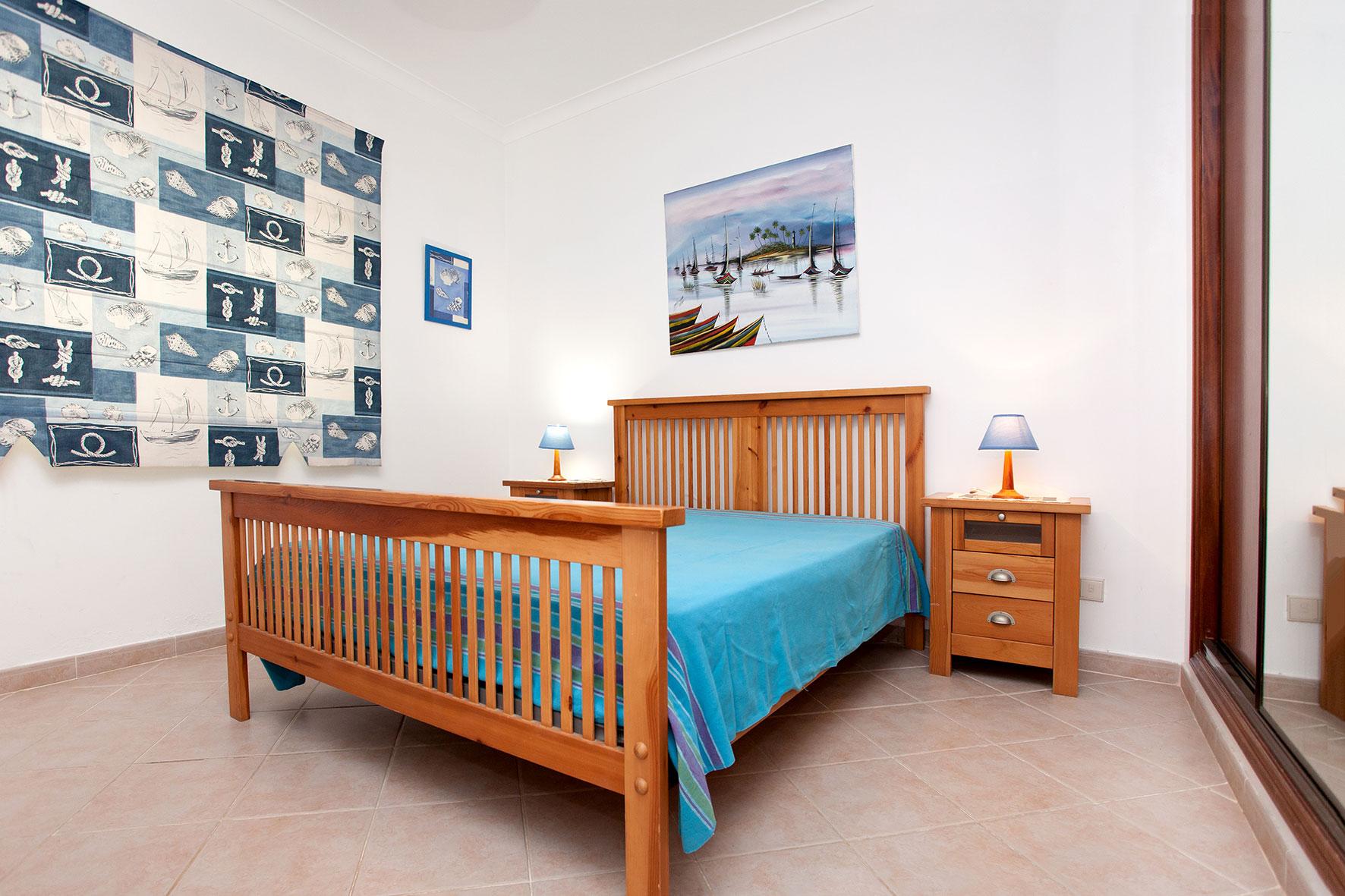 Holiday apartments and villas for rent, Apartamento T2 em Condomínio Com Piscina na Praia da Galé em Albufeira in Albufeira, Portugal Algarve, REF_IMG_6121_12083