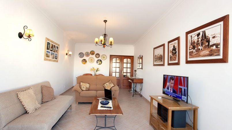 Location appartements et villas de vacance, Apartamento T2 em Condomínio Com Piscina na Praia da Galé em Albufeira à Albufeira, Portugal Algarve, REF_IMG_6121_12085