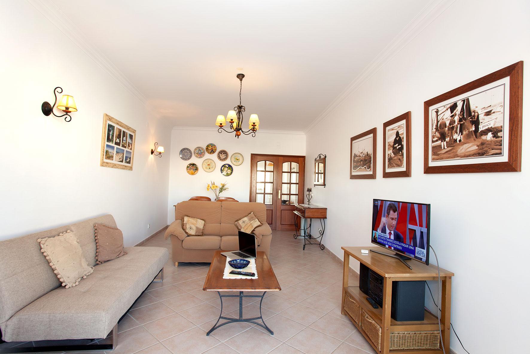Holiday apartments and villas for rent, Apartamento T2 em Condomínio Com Piscina na Praia da Galé em Albufeira in Albufeira, Portugal Algarve, REF_IMG_6121_12085