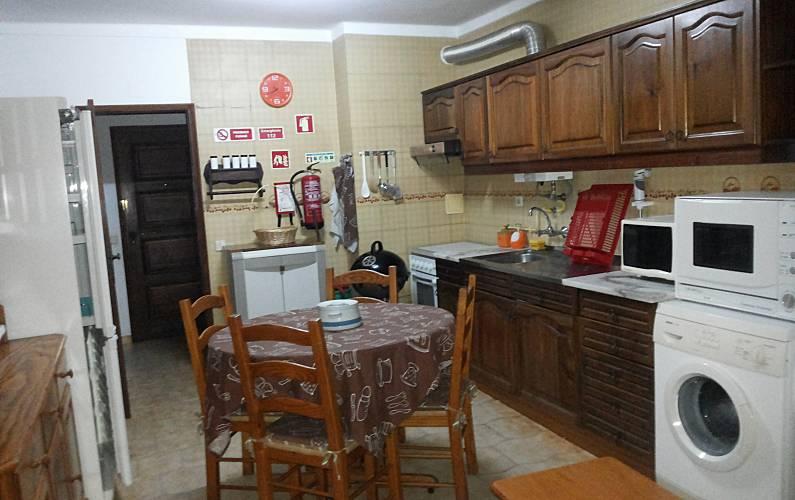 Location appartements et villas de vacance, T1 equipado para férias, na 1ª linha de praia, em Quarteira, município de Loulé, no Algarve à Quarteira, Portugal Algarve, REF_IMG_12878_12927