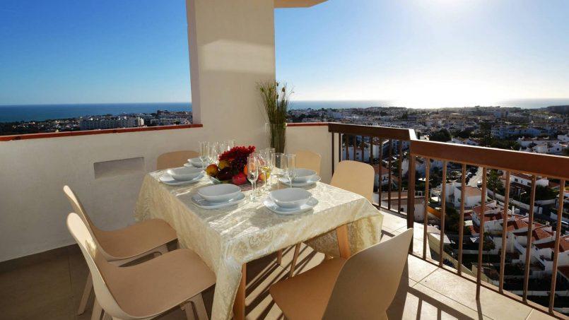 Location appartements et villas de vacance, 180° Sea views, Pool, 2 bedrooms and 2 balconies à Albufeira, Portugal Algarve, REF_IMG_13320_13401