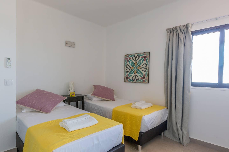 Apartamentos e moradias para alugar, 180° Sea views, Pool, 2 bedrooms and 2 balconies em Albufeira, Portugal Algarve, REF_IMG_13320_13403