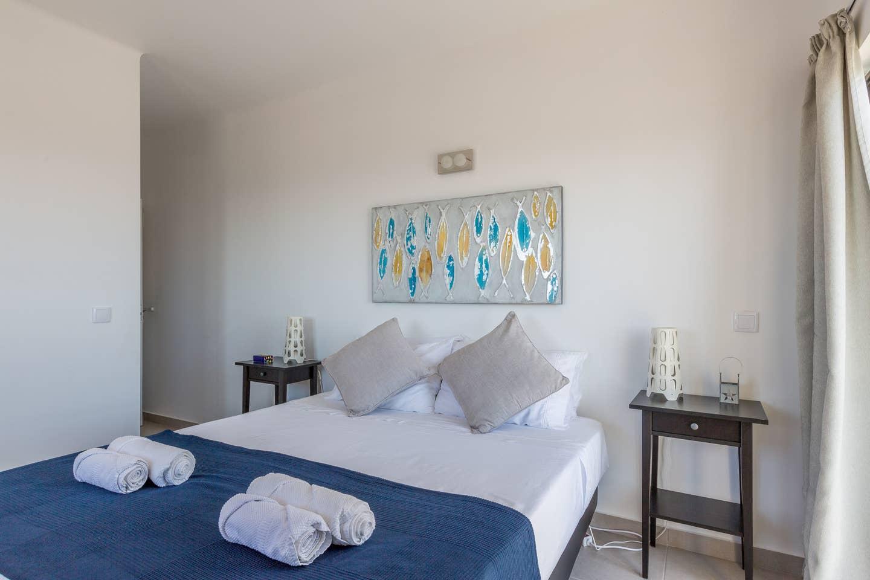 Apartamentos e moradias para alugar, 180° Sea views, Pool, 2 bedrooms and 2 balconies em Albufeira, Portugal Algarve, REF_IMG_13320_13402