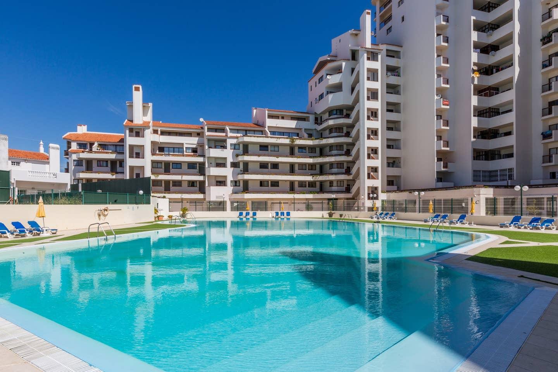 Apartamentos e moradias para alugar, 180° Sea views, Pool, 2 bedrooms and 2 balconies em Albufeira, Portugal Algarve, REF_IMG_13320_13407