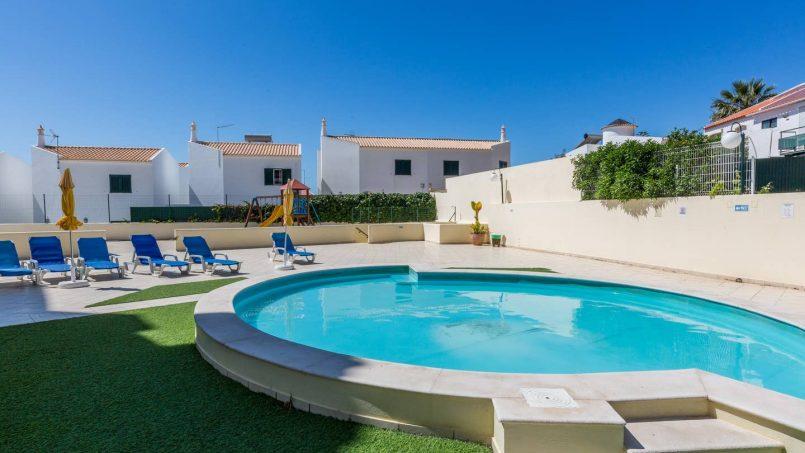 Location appartements et villas de vacance, 180° Sea views, Pool, 2 bedrooms and 2 balconies à Albufeira, Portugal Algarve, REF_IMG_13320_13412