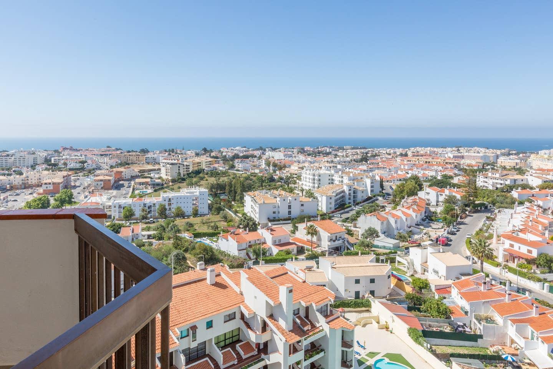 Apartamentos e moradias para alugar, 180° Sea views, Pool, 2 bedrooms and 2 balconies em Albufeira, Portugal Algarve, REF_IMG_13320_13413