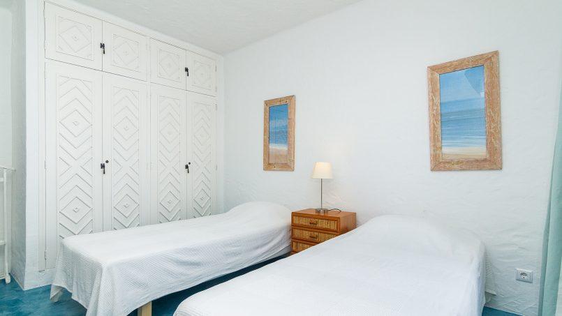 Holiday apartments and villas for rent, Liiiving in Algarve | Alvor Blue Villa in Alvor, Portugal Algarve, REF_IMG_14545_14554
