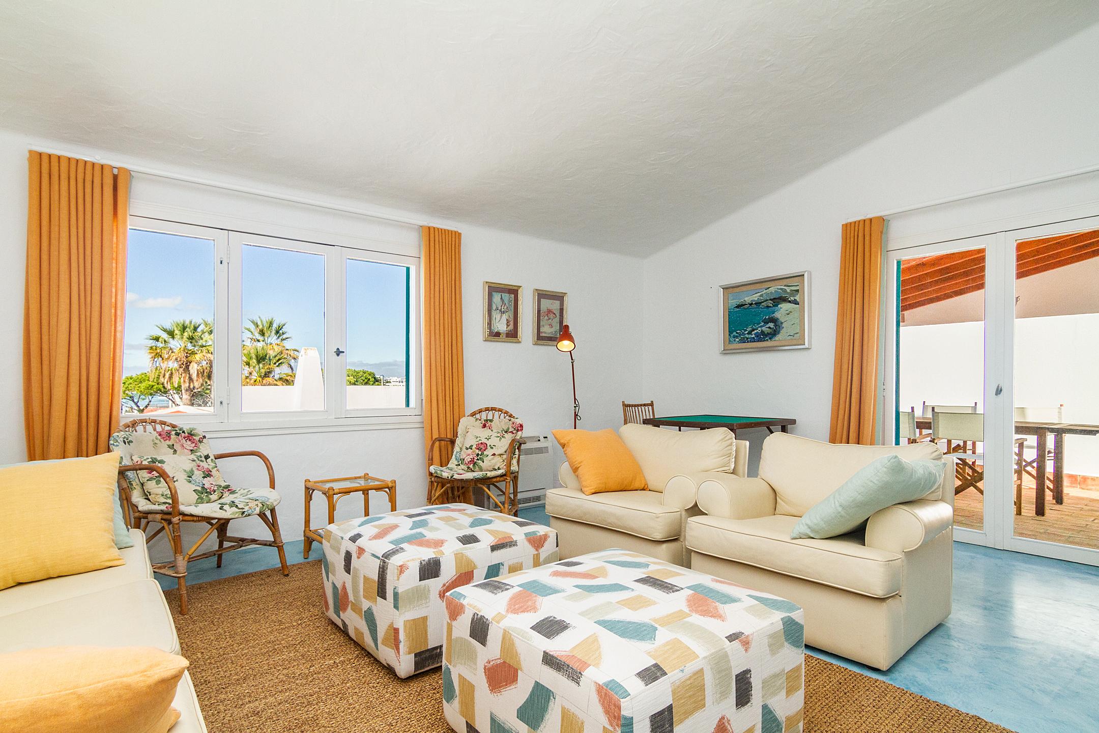 Holiday apartments and villas for rent, Liiiving in Algarve | Alvor Blue Villa in Alvor, Portugal Algarve, REF_IMG_14545_14558